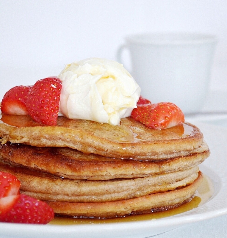 American Style Cinnamon Pancakes with Maple Syrup